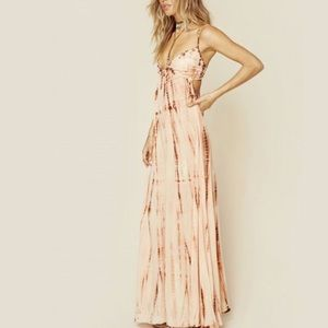 Flowy, beautiful maxi dress.